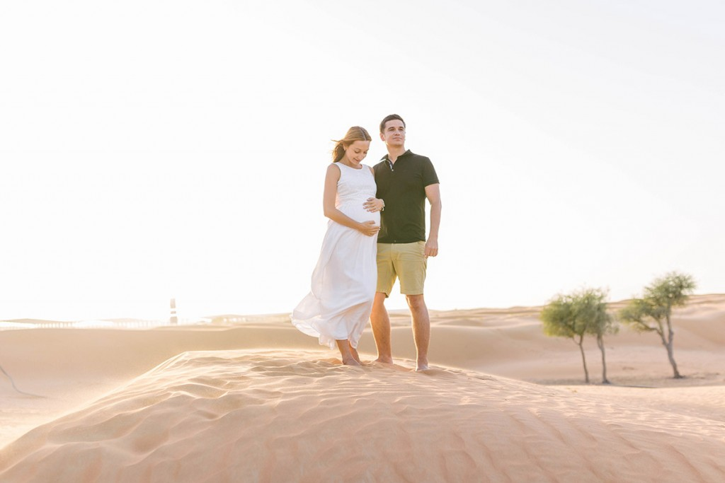 Maternity photoshoot in Dubai. Lena Karelova - destination wedding photographer based in Barcelona.