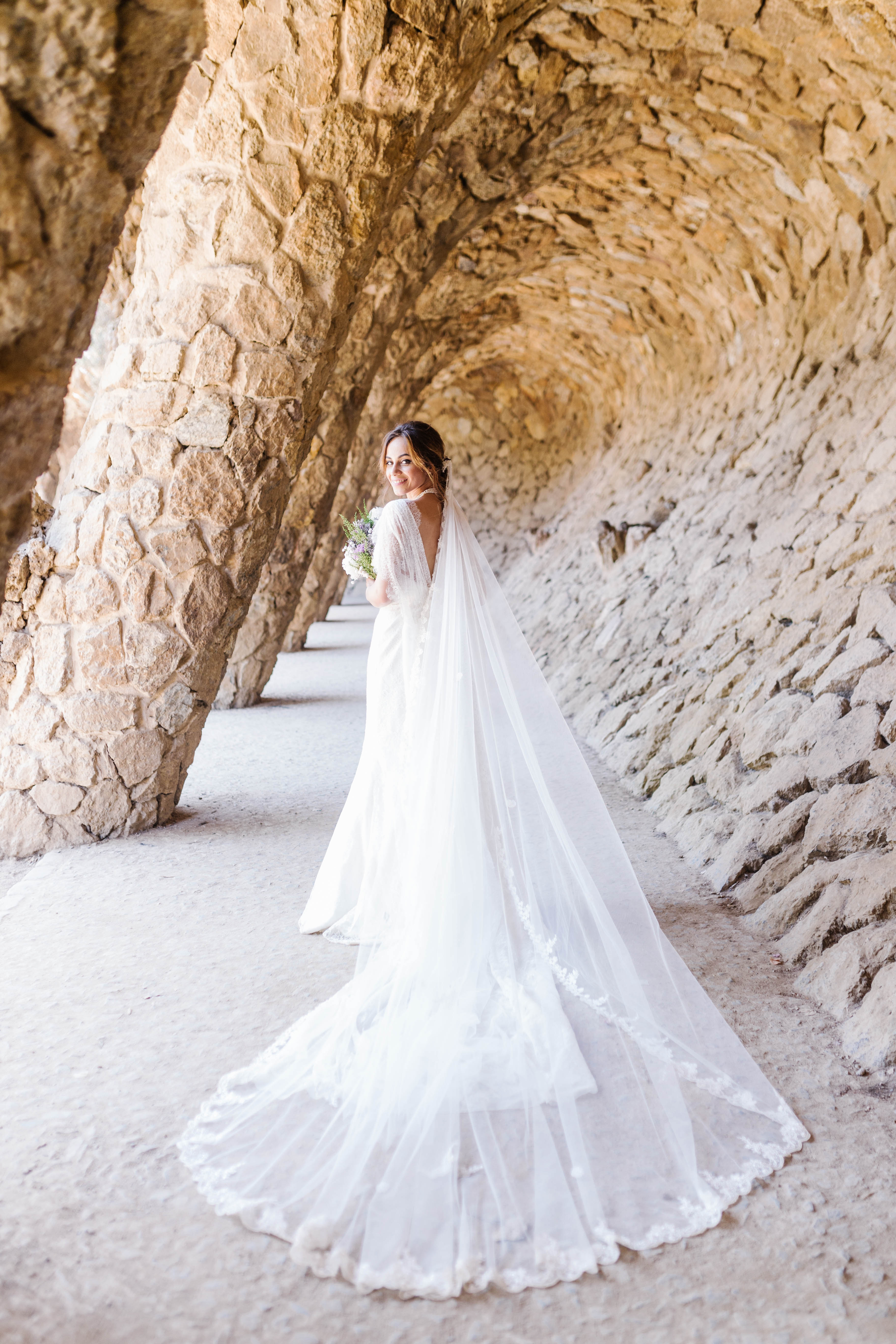 Barcelona wedding photographer | Elopement in Barcelona - Parc Güell| Lena Karelova Photography