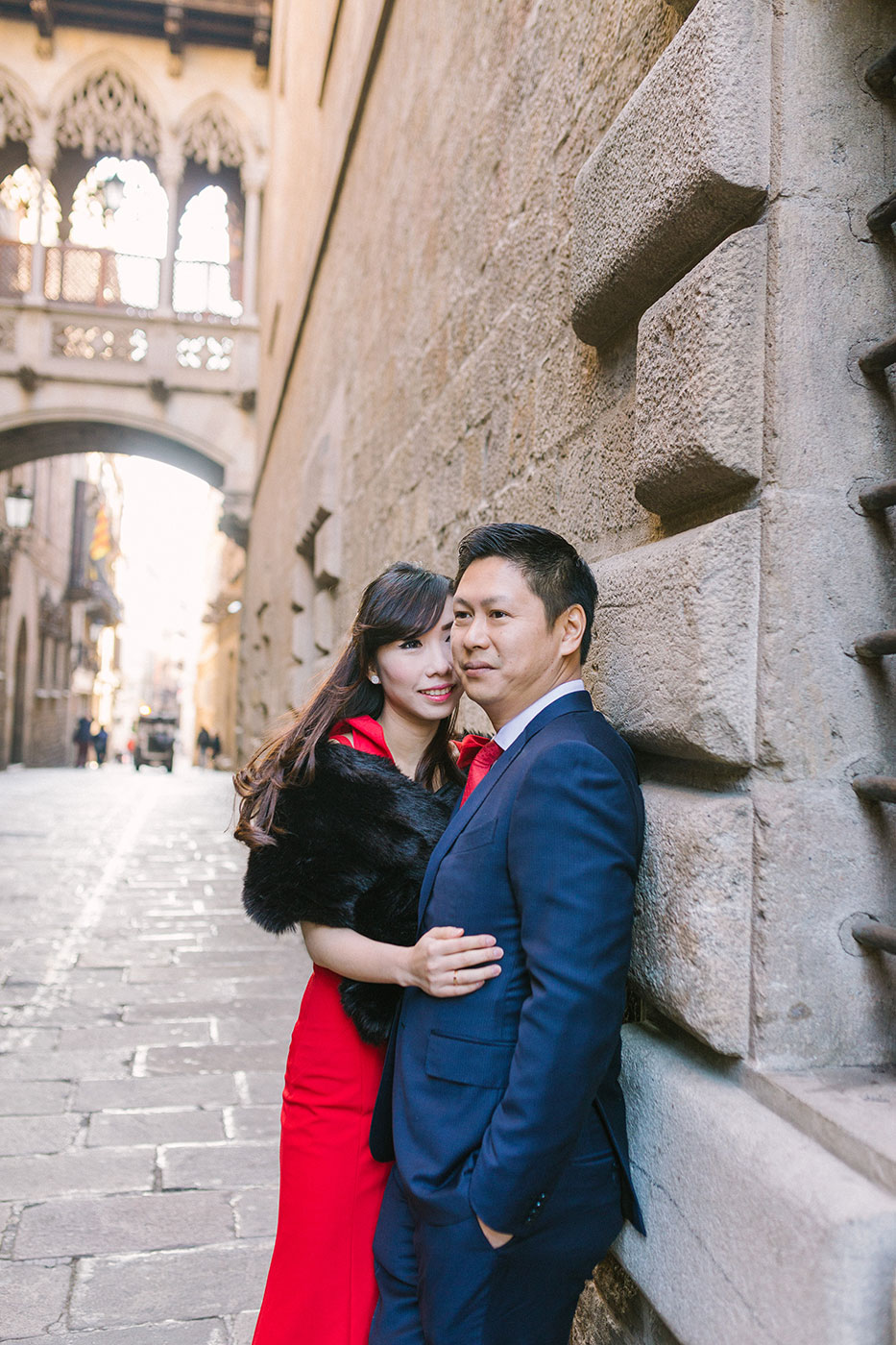 Barcelona Gothic quarter engagement photography | Barcelona Wedding Photographer | Lena Karelova Photography | Barcelona Film Photogrpher