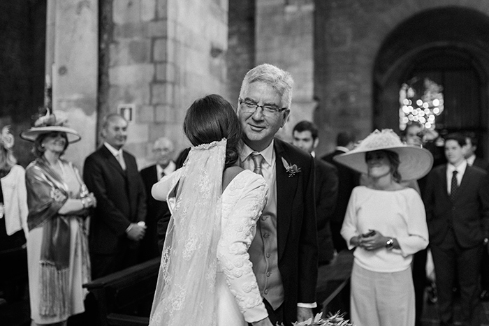 Bride and her father |Wedding at Mas Vidrier | Destination Wedding Photographer Barcelona
