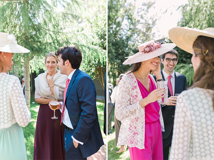 Guests chilling at aperetif time |Wedding at Mas Vidrier | Destination Wedding Photographer Barcelona