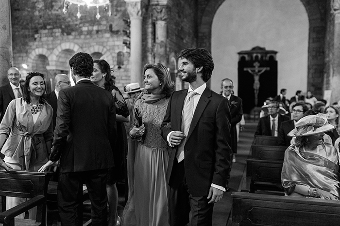 Ceremony at the church | Monestir Sant Pere de Puelles |Wedding at Mas Vidrier | Destination Wedding Photographer Barcelona
