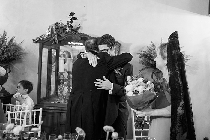 Groom huging his father |Wedding at Mas Vidrier | Destination Wedding Photographer Barcelona