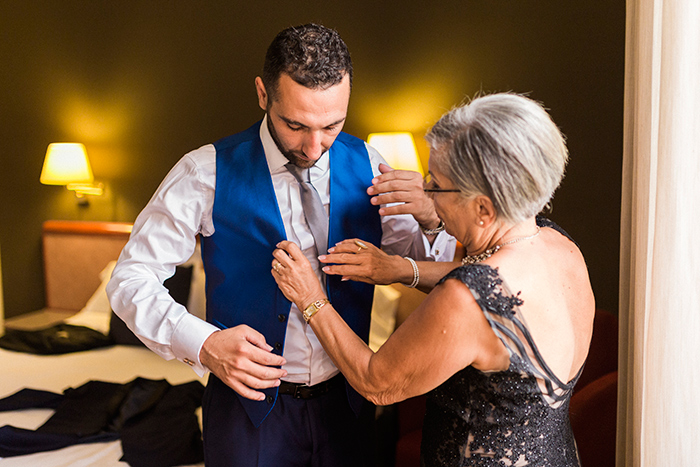 Mother helps his son | Wedding at Torre Sever | Destination Wedding Photographer Barcelona