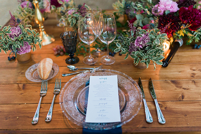 Gorgeous table decor and stationery | Wedding at Torre Sever | Destination Wedding Photographer Barcelona