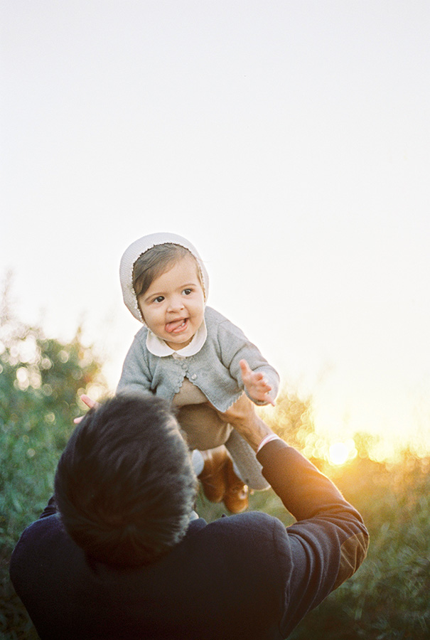 Beautiful baby girl with her father | Family Photoshoot in Barcelona |Film Family Photographer | Lena Karelova | Kodak Portra 400