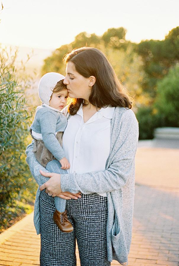 Motherhood photography | Family Photoshoot in Barcelona |Film Family Photographer | Lena Karelova | Kodak Portra 400