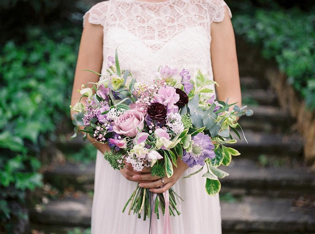 spring and fresh violet wedding flowers | au nome de la rose | destination wedding photographer | film wedding photographer